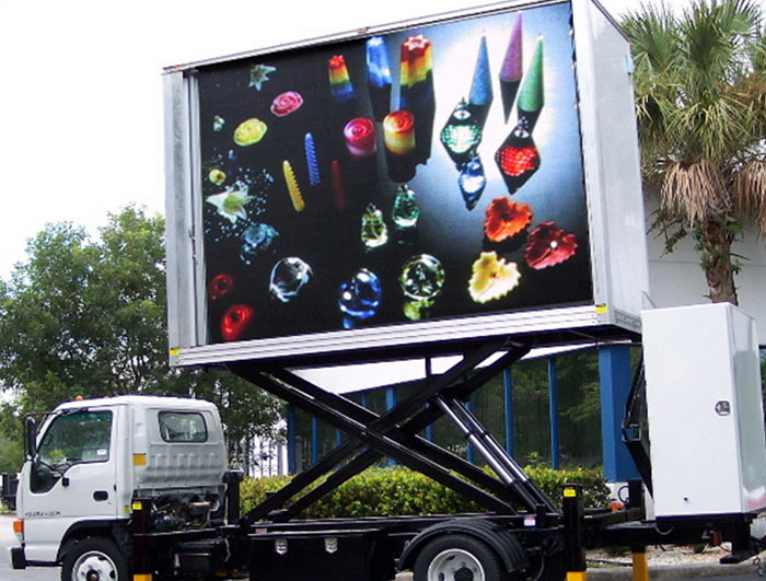 Customized Light Weight Mobile Advertising Truck LED Display for Car